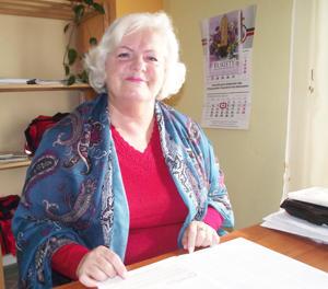 W Strzelinie od blisko trzech lat działa firma, która świadczy bezpłatną długoterminową domową opiekę pielęgniarską (na zdjęciu Irena Bohdanowicz, przedstawiciel firmy)