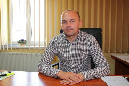 - Koszty budowy przyłączy kanalizacyjnych przyjął na siebie nasz samorząd - mówi Wojciech Bochnak, wójt gminy Kondratowice. - W ościennych gminach, których nazw nie będę wymieniał, mieszkańcy są zobowiązani do przyłączenia się do sieci kanalizacyjnej na własny koszt
