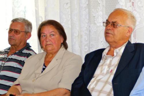 Radna Helana Zarzycka, radny Józef Pawnuk, po prawej, oraz radny Józef Szczygieł na posiedzeniu komisji zdrowia