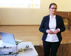 Specjalistka do spraw rekrutacji Malwina Nygaza prowadziła wtorkową konferencję