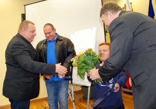 Małgorzta Hałas-Koralewska odbiera nagrodę