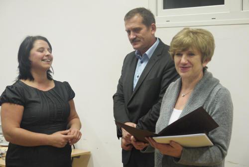 """Edwarda Derkowska (z prawej) podziękowała za wsparcie akcji """"Mogiłę pradziada ocal od zapomnienia"""""""