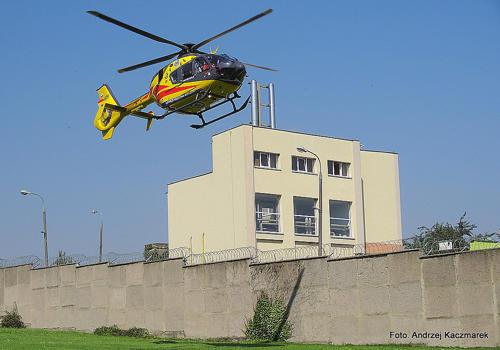 Skazanego przetransportowano helikopterem ratunkowym do szpitala we Wrocławiu
