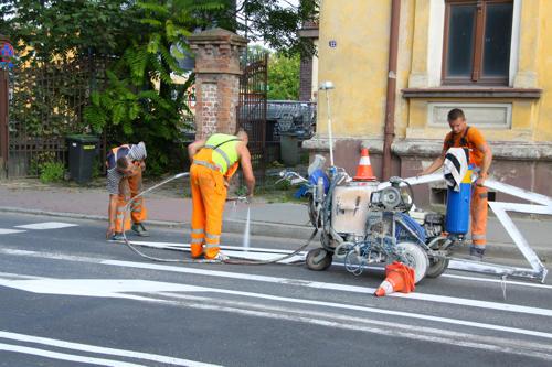 Pod koniec ubiegłego tygodnia drogowcy wyznaczyli na ul. Wolności pasy ruchu do skrętu w lewo