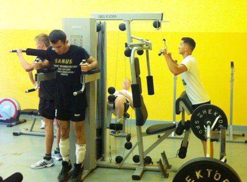 Treningi naszych siatkarzy nie polegały jedynie na grze, ważny element to również ćwiczenia siłowe (fot. arch. Paweł Mihułka)