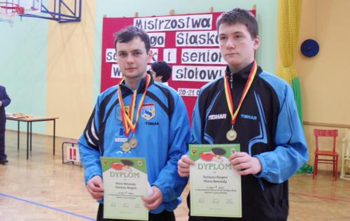 W finale turnieju w Miliczu spotkali się dwaj strzelinianie, Piotr Bereziuk (z lewej) oraz Dariusz Burger