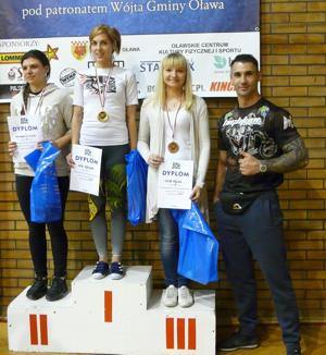 Basia Bęcek ze Strzelińskiego klubu Boi Team zajęła trzecie miejsce w zawodach jiu-jitsu w Oławie